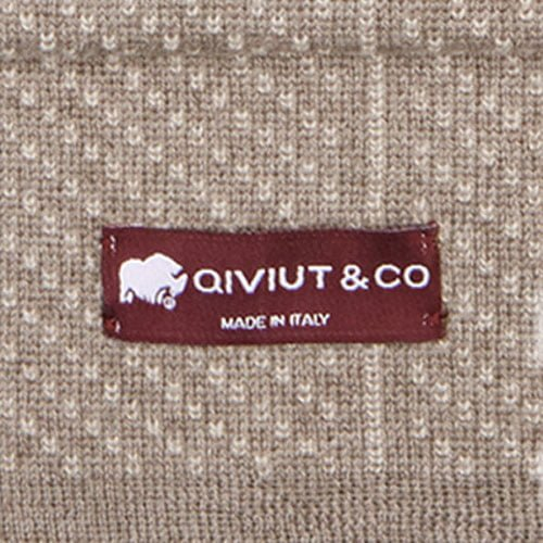 The QIVIUT & CO scarfs are made in Italy